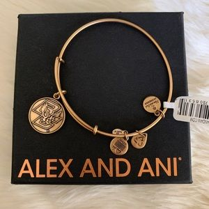NWT Alex and Ani Boston College BC Gold Bracelet